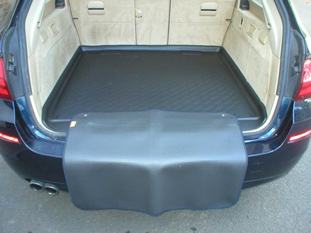 Boot Liner with bumper protector for Dkoda Superb Estate 2015+